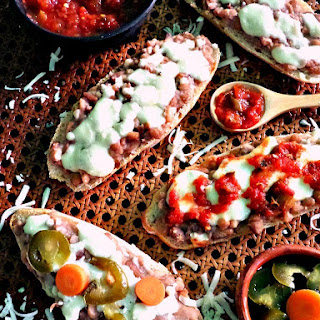 (Open-Faced Refried Bean Sandwiches) Recipe