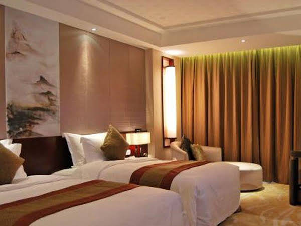 Zhongjing Taichi Lake International Resort