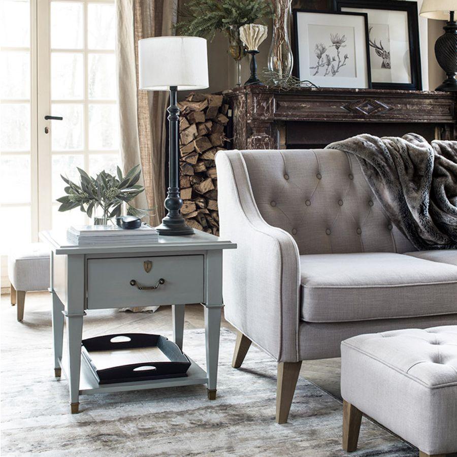 Sự góp mặt của ghế sofa có thể làm hài lòng mọi thứ trong phòng khách