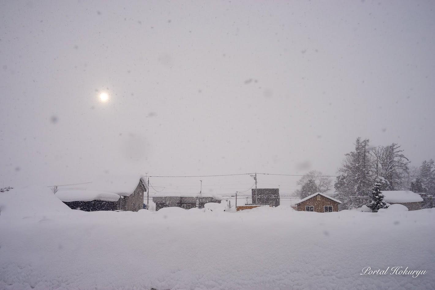 雪雲の中の光