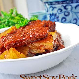 Soft Pork Cubes with Soy Sauce and Potatoes