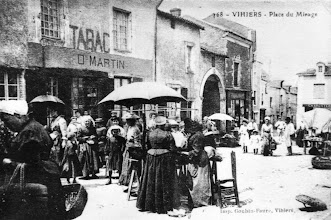 Photo: Le marché Place du Minage
