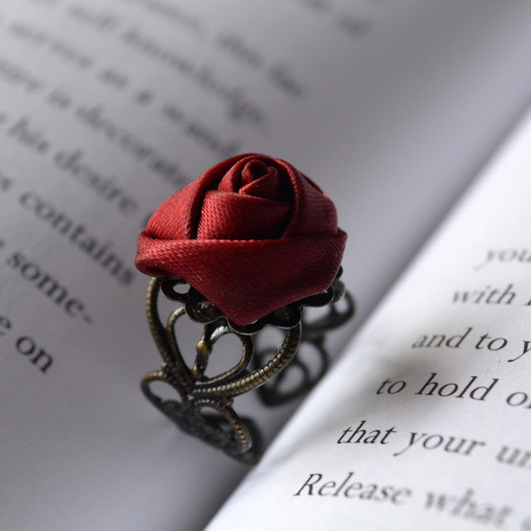 Vintage Gothic Rose Ring by Swirls & Splashes