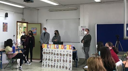 Alumnos del IES Alhadra crea una guía turística de Almería en lengua de signos
