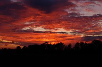Photo: Der Himmel brennt Sonnenaufgang / Sunrise Ursprüngliche(s) Datum/Zeit: 2011-10-25 07:34:02  Kameramodell: PENTAX K-7 Beleuchtungszeit: 1/30 Sekunde Blende: F/8  ISO-Geschwindigkeit: 100 Brennweite: 50.0 mm