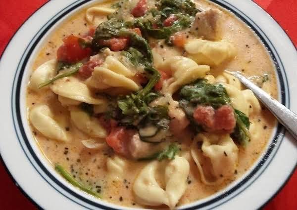 Crockpot Creamy Tortellini, Spinach & Chicken Soup