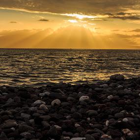 Sunset at the Lahaina,HI by Daljit Singh - Landscapes Sunsets & Sunrises ( maui, sunset, beach, landscape, hawaii,  )