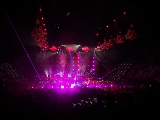 """..come sentirsi a casa..lussuosi lampadari e atmosfera magica per il Tour """"Lorenzo Live 2018"""" di Simo10"""