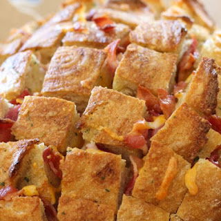 Cheesy Bacon Ranch Chicken Pull Apart Bread