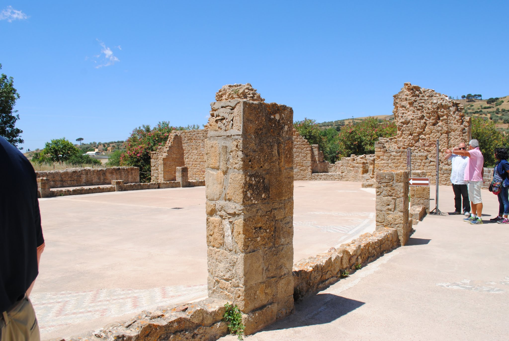 My Photos: Italy -- Mosaics -- Sicily -- Piazza Armerina -- Arcade & Courtyard