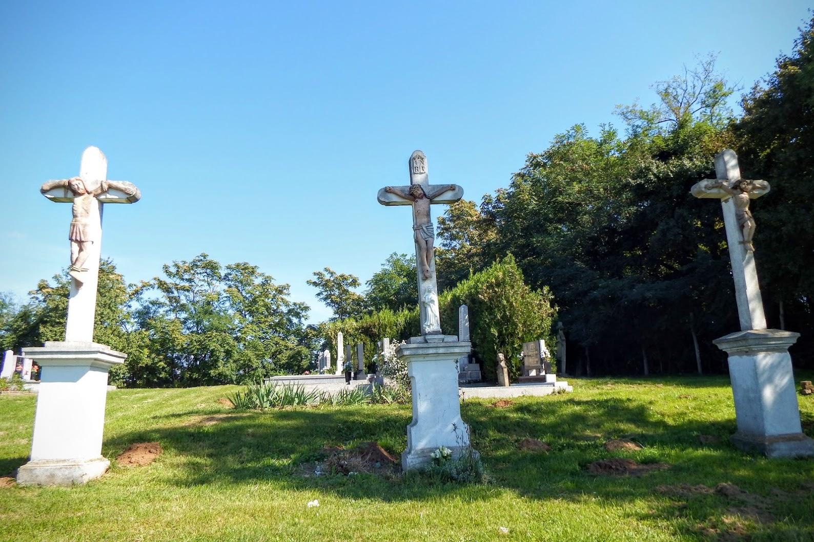 Feked - kálvária a temetőben