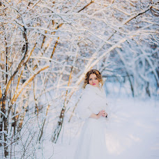 Wedding photographer Ekaterina Yuzhakova (eyuzhakova). Photo of 23.12.2016
