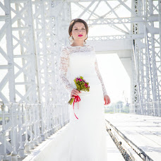 Wedding photographer Kseniya Kavardina (Kavardinak27). Photo of 02.08.2015