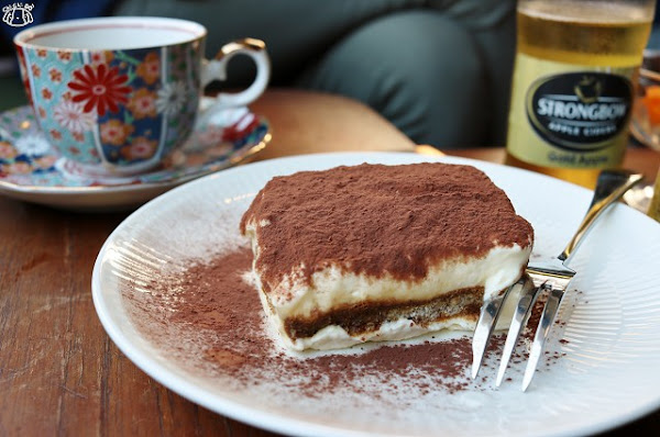 St.1 Cafe' / Work Room 工業風咖啡廳-手沖咖啡.提拉米蘇.蘋果酒