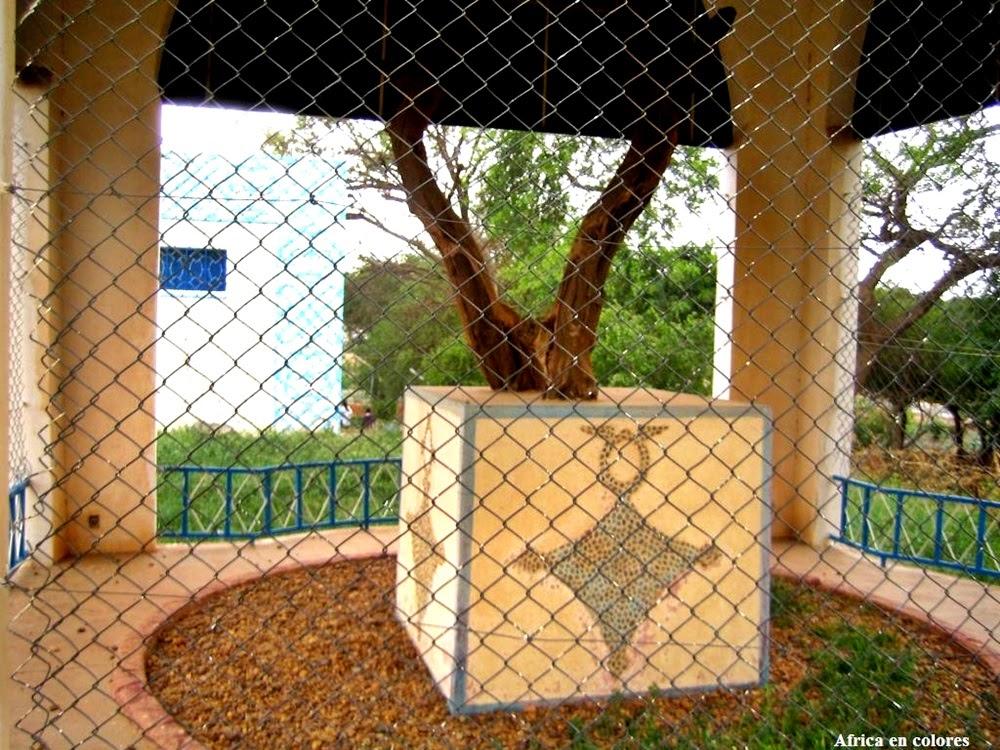 A Árvore de Ténéré, a mais solitária do mundo