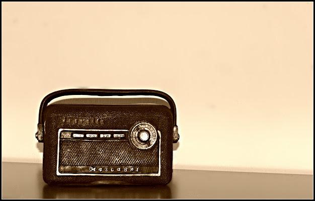 Old radio di Senide Ph
