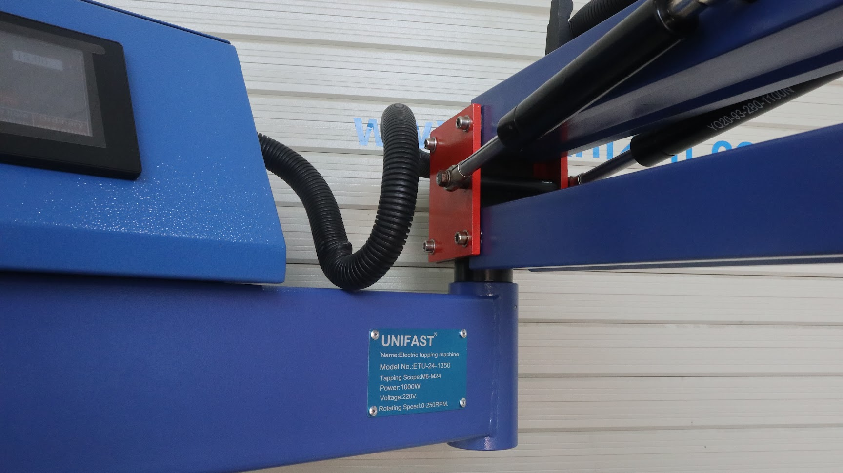 Máy ta rô cần điện UniFast ETU-24-1350