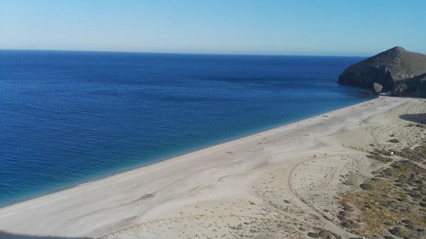 La Playa de los Muertos es una de las más amenazadas.
