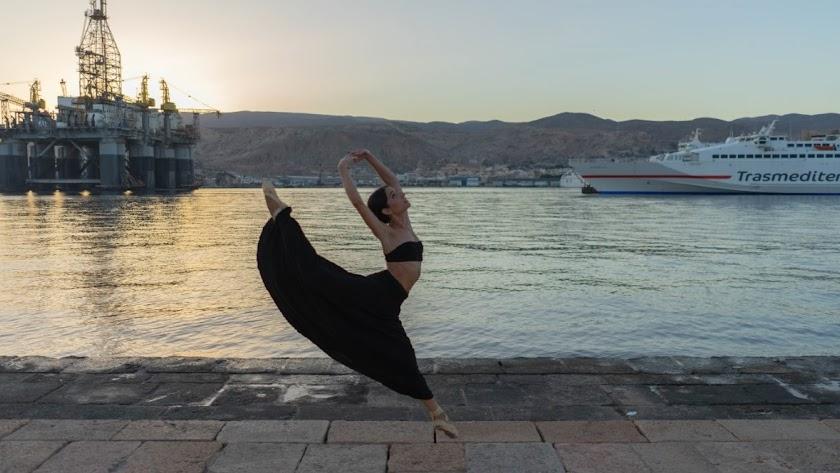Mar Rigaud tiene veinte años y ya se ha clasificado en un concurso internacional de danza.