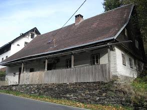 Photo: Krocząc w stronę zamku mijam jeden z drewnianych domów Brannéj.