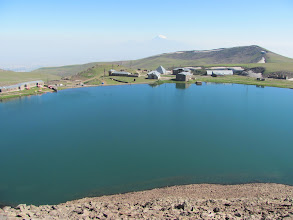 Photo: Armenien, See Kari Lich, Ausgangspunkt für den Aufstieg zum Aragaz