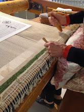 Photo: Début du tissage de la tapisserie