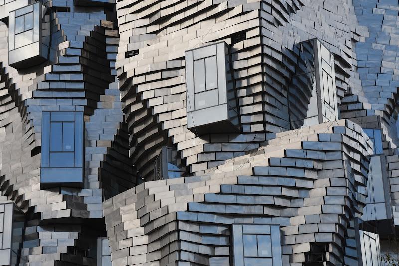 Architettura  moderna inusuale di BASTET-Clara