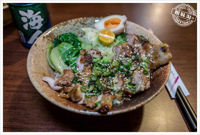 爽丼鹽烤蔥燒雞腿丼飯
