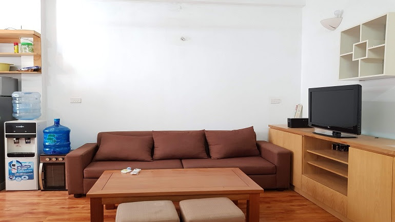 Good price 1 – bedroom apartment in Hoan Kiem district for rent