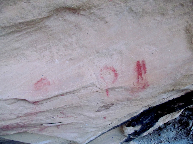 Crude pictographs in Willow Springs Wash