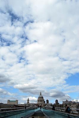 London's Clouds di PaolaFranco
