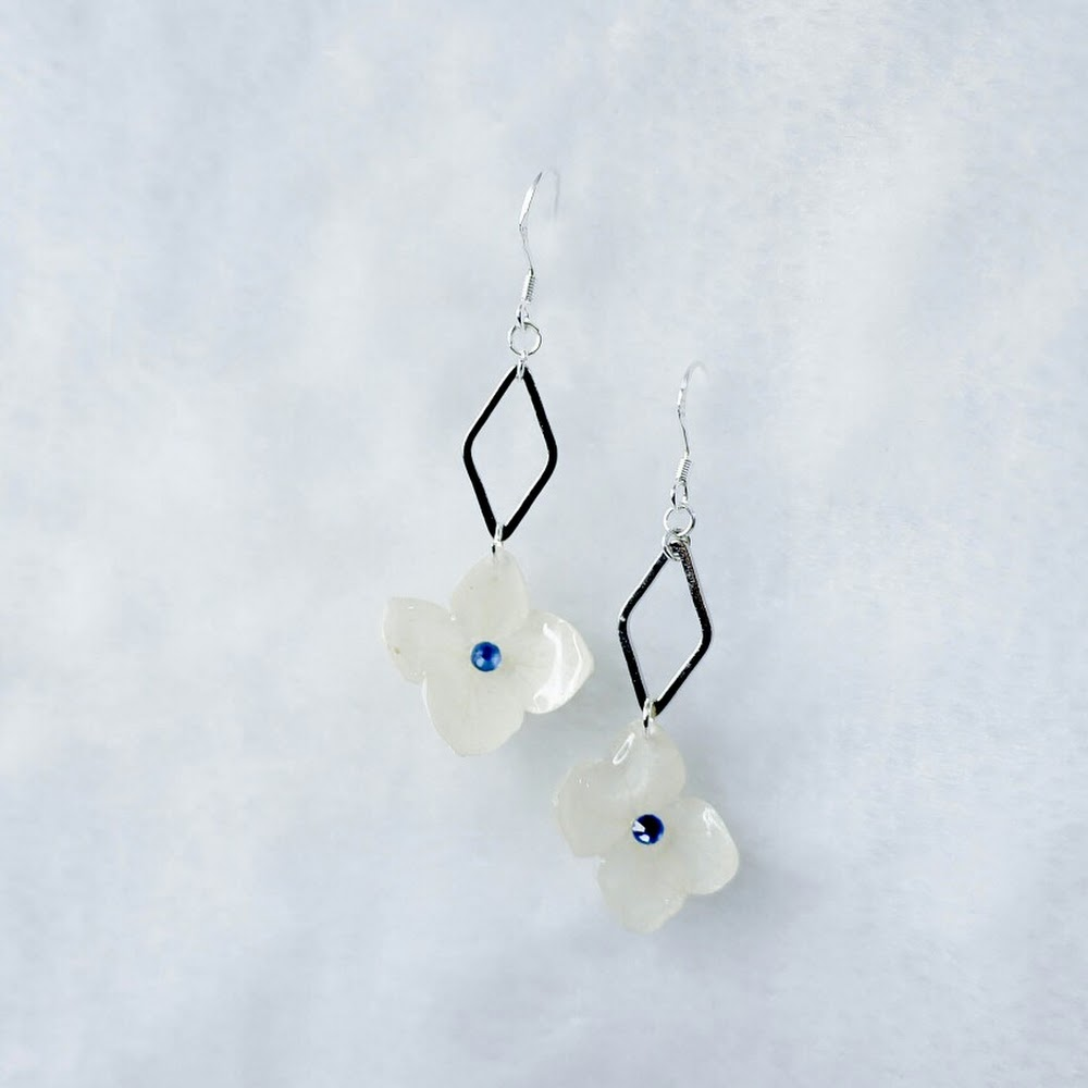 [現貨/stock] 尖沙咀寄賣中 簡約款 925純銀繡球花耳環 925 Sterling Silver Hydrangea Earrings