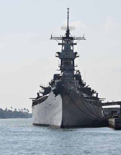 pearl-harbor5.jpg - The Mighty Mo aka the USS Missouri battleship.