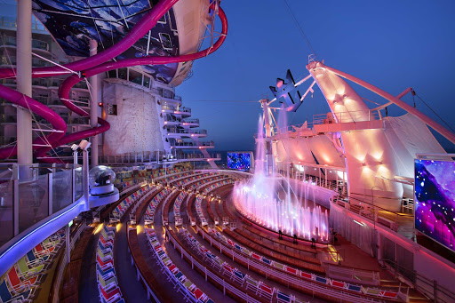 Harmony-of-the-Seas-Aquatheater.jpg - Illuminated fountains are part of the action at the AquaTheater on Harmony of the Seas.