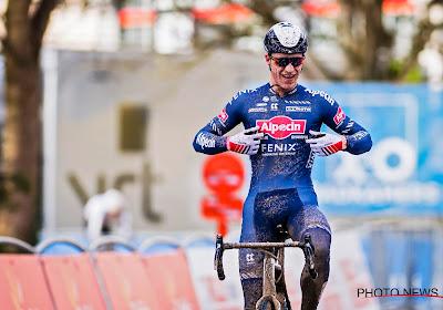 Niels Vandeputte van Alpecin-Fenix wint C2-Jingle Cross, Joyce Vanderbeken tweede in Tsjechië