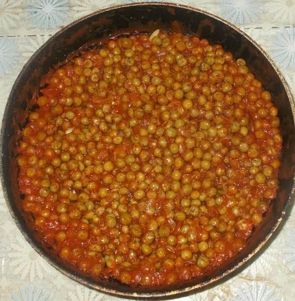 Green Peas In Tomato Sauce