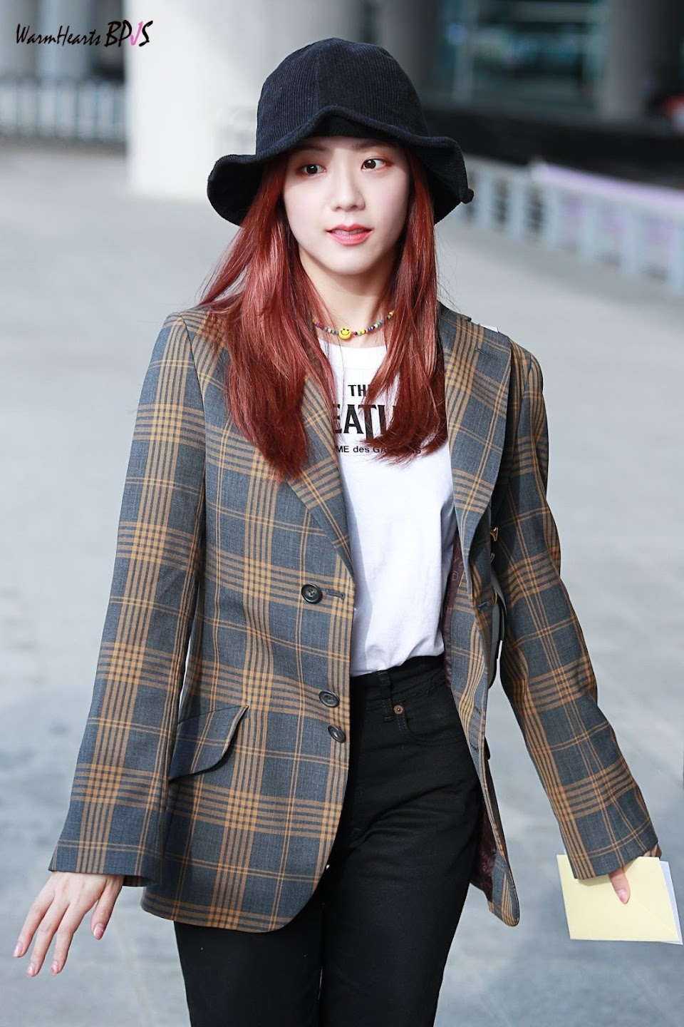 jisoo plaid 37