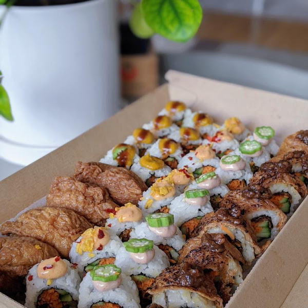 So fresh & tasty vegan sushi. Their package is also eco friendly.