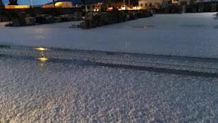El granizo ha dejado esta mañana un manto blanco en La Mojonera.