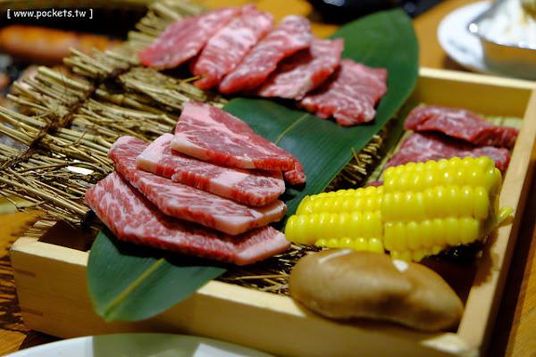 牛角日本燒肉專門店。日本連鎖燒肉店進駐台灣,平日$689元吃到飽很盡興,假日單點餐點比較精緻,台中廣三SOGO百貨14樓