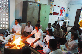 Photo: sadhaks at the Yagna peetam