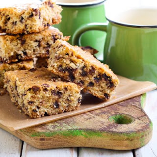 Healthy No-Bake Chocolate Chip Cookie Bars.