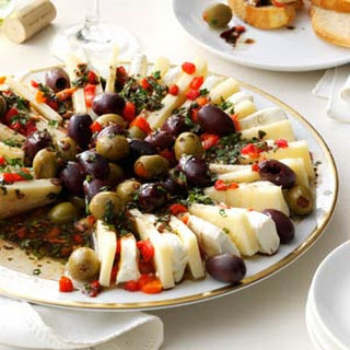 Marinated Olive and Cheese Ring