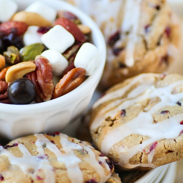 Sweet and Salty Deluxe Mixed Nuts Trail Mix + White Chocolate Chunk ...