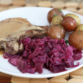Braised Red Cabbage with Apple and Spices Recipe