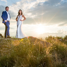 Wedding photographer Péter Győrfi-Bátori (PeterGyorfiB). Photo of 27.06.2018