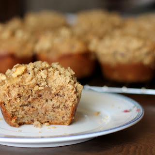 Better-For-You Banana Muffins with Brown Sugar Walnut Crumble