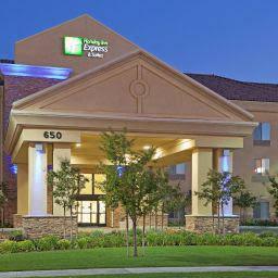 Holiday Inn Express & Suites Clovis Fresno Area