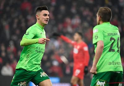 Jelle Bataille (KV Oostende) scoorde een heerlijke goal op het veld van Standard