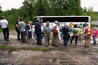 Photo: Field trip participants gathering on the outcrop